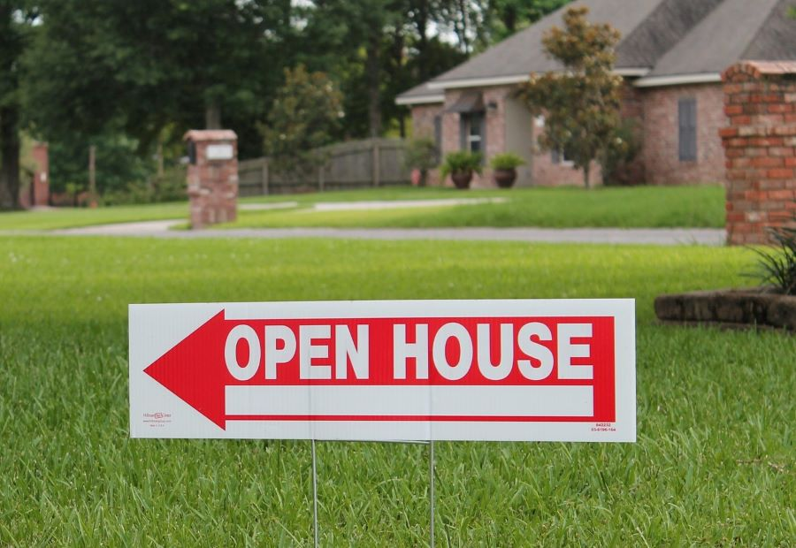 We looked for Open House signs like this in the search for Our Home for Retirement.