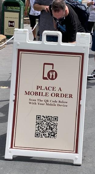 Mobile Order sign at Disney Hollywood Studios